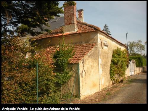 Restauration d'une maison d'habitation à la Pichonnière.Photo avant travaux.