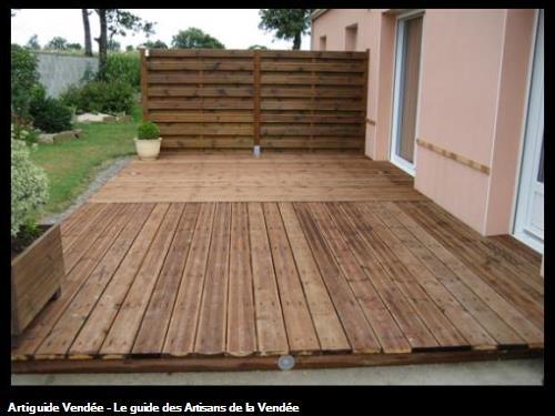 Réalisation d'une terrasse bois PIN MARRON chez un pariculierCommune de Saint Georges de Pointindoux