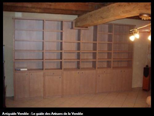 Bibliothèque en chêne blanchi. 85 - Pissotte