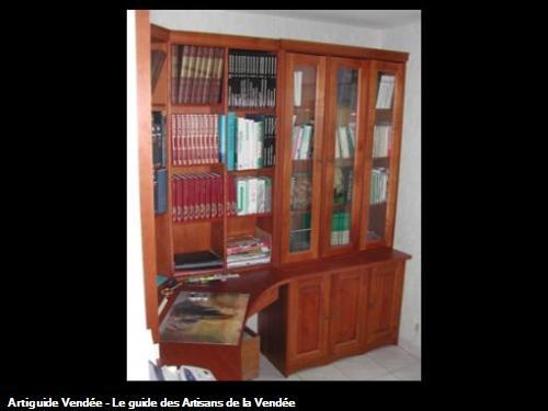 Bibliothèque bureau en merisier. 85 - Le Langon