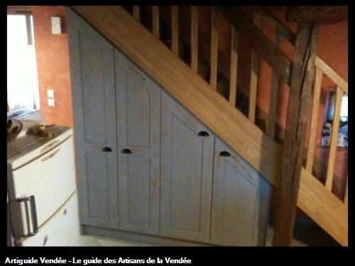 Aménagement d'un dessous d'escalier. 85 - L'orbrie