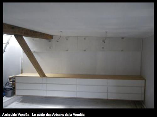 Dressing en chêne et facades sans poignées laquées. 85 - Fontenay le Comte