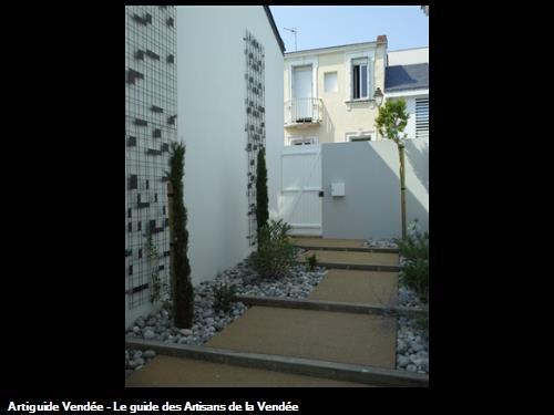 Création de marches en béton poreux Sable et  poutres de Chêne avec spots encastrables. 85100 Les Sables d'Olonne.