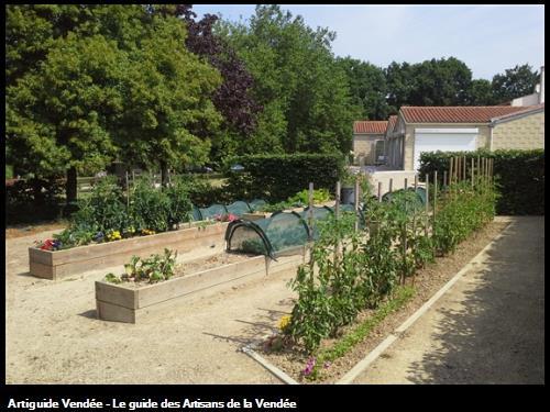 Création de Jardinières en bois pour potager Résidence 85150 La Mothe-Achard.