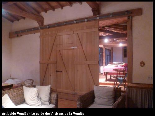 Création et fabrication d'une porte en bois