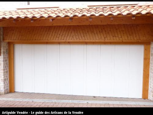 Portail de garage en ALU secteur l'Orbrie 85200