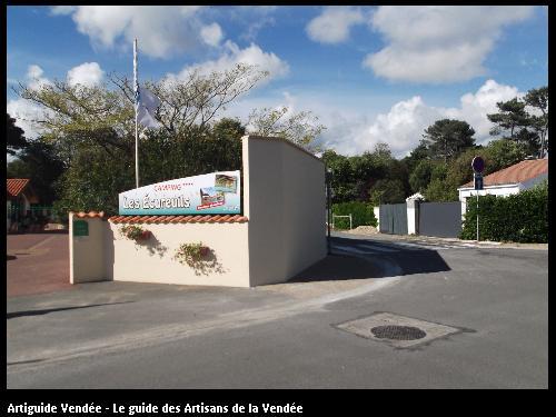 Réhaussement d'un mur de clôture réalisé par l'entreprise Maconnerie des Landes basée à SAINT-AVAUGOURD-DES-LANDES (85540 Vendée)
