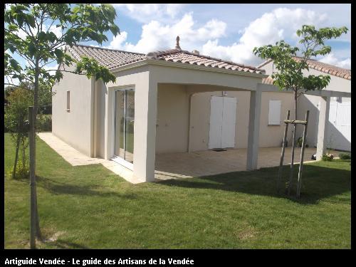 Création d'un porche réalisé par l'entreprise Maconnerie des Landes basée à SAINT-AVAUGOURD-DES-LANDES (85540 Vendée)