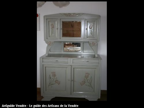 L'entreprise de peinture Jacques Bobin (85680 La Guérinière) a réalisé un relooking de meuble avec patine sur Noirmoutier (85330)