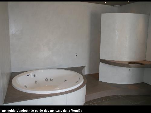 L'entreprise de peinture Jacques Bobin (85680 La Guérinière) a réalisé une salle de bain en béton ciré sur Noirmoutier (85330)
