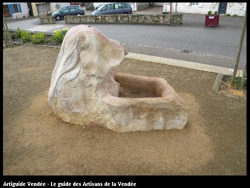 Fontaine réalisé par la SARL BLANCHARD ET FILS sur le secteur de THORIGNY en VENDEE