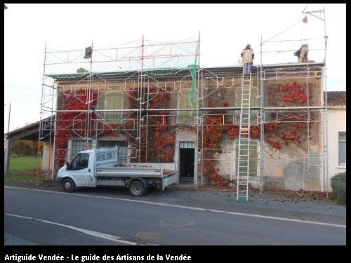 Travaux de nettoyage et démoussage de toiture sur la commune de Souil/St Pierre le vieux 85420.