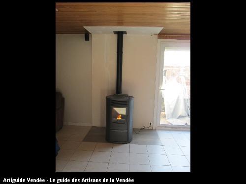 nous avons retiré la cheminée puis poser un poêle à pellet pour chauffé une surface de 96m2  sur la commune de l aiguillon sur mer