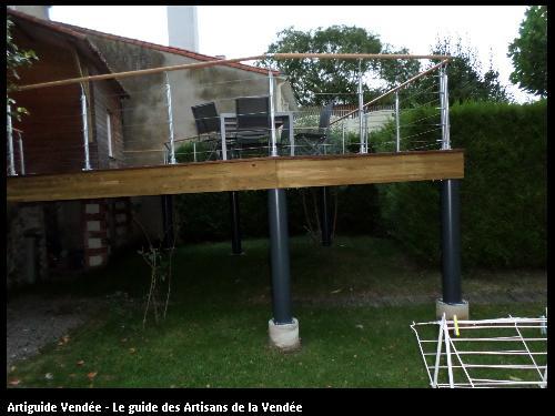 Terrasse sur poteau métallique à Cugand (85610)