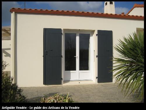Pose de volets ALU sur maison individuelle - Commune de La Chapelle Achard - Travaux réalisés par la société FLOBOIS