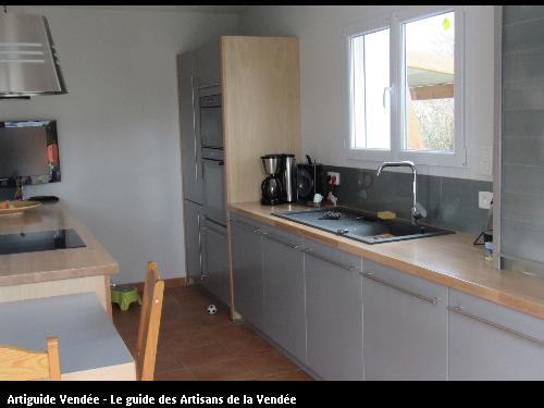 Sarl richard b niste 85800 givrand for Cuisine laquee grise