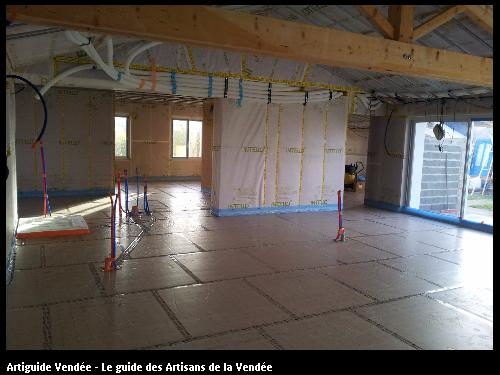 Etancheite à l'air et VMC double flux, réalisé par l'artisan JEAN MARIE BONNEAU, basé à la GUYONNIERE 85600