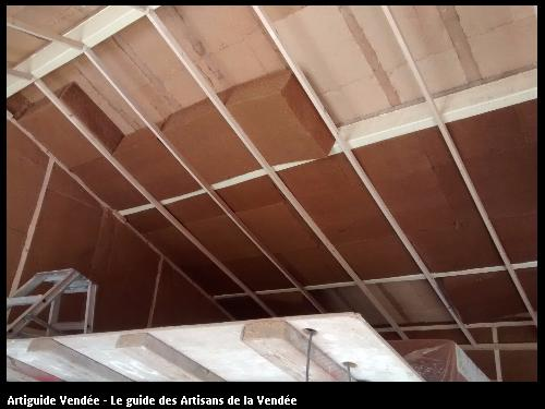 Isolation en laine de bois, réalisé par l'artisan JEAN MARIE BONNEAU, basé à la GUYONNIERE 85600