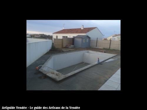 piscine réalisée par Maçonnerie Montoise