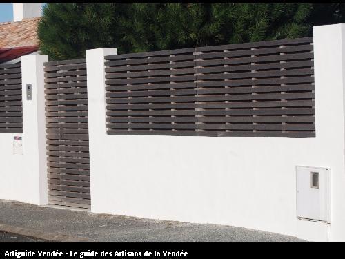 Mur de clôture réalisé par l'entreprise MILCENT HENRI ET FILS basée à SAINT HILAIRE DE RIEZ (85270)