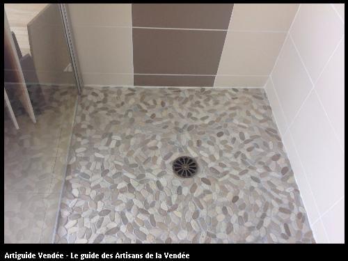 Bac à douche réalisé par l'artisan SYLVAIN GUERINEAU basé à BELLEVILLE SUR VIE (85170)