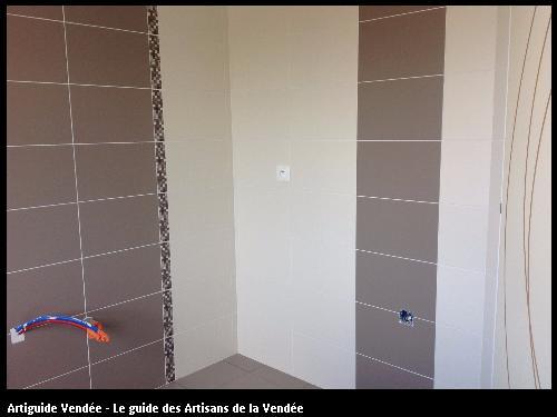Salle de bainréalisé par l'artisan SYLVAIN GUERINEAU basé à BELLEVILLE SUR VIE (85170)