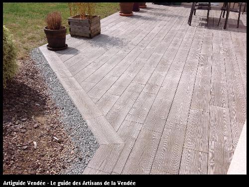 Terrasse réalisé par l'artisan SYLVAIN GUERINEAU basé à BELLEVILLE SUR VIE (85170)