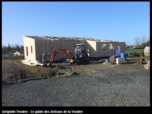 Maison ossature bois : réalisation de l'infrastructure en béton armé, réseaux sous dallage et dallage. Coulon Deux-Sèvres 79