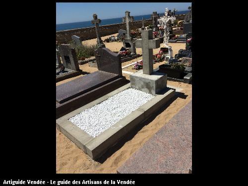 Création d'une tombe personnalisée à la demande de la famille du défunt