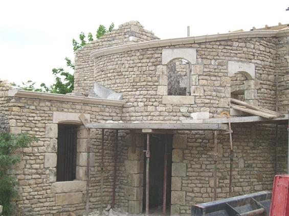 Rénovation avec maçonnerie de pierres à Curzon