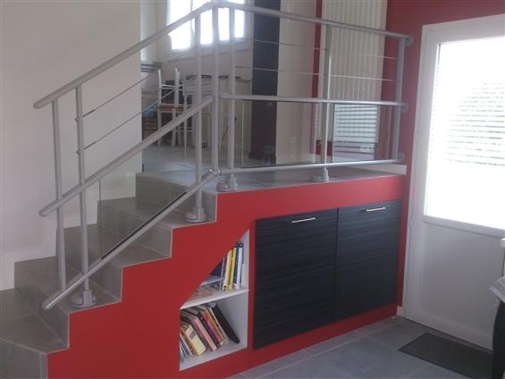 réalisation d'un escalier plus l'agencement en dessous