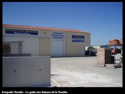 Bâtiments de l'entreprise Guilbaud situé dans la zone artisanal les tonelles a Mouzeuil St Martin 85370