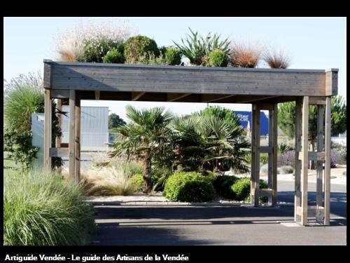 Carport avec toiture végétalisée (85150 La Mothe-Achard)