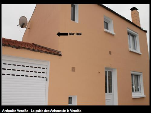 Voici le rendu final, un seul mur de la maison est isolé, exposé au froid l'hiver et au soleil l'été. Grâce à l'Isolation par l'Extérieur, il garde la chaleur l'hiver et l'empêche de rentrer en été .