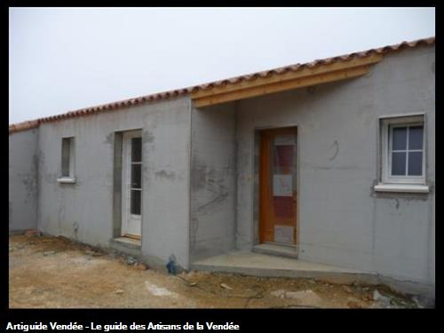 Construction de maison neuve en blocs ciment