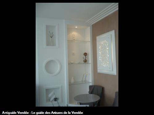 niches et bibliothèque staff/ plâtre couleur/ à St Gilles Croix de Vie 85800
