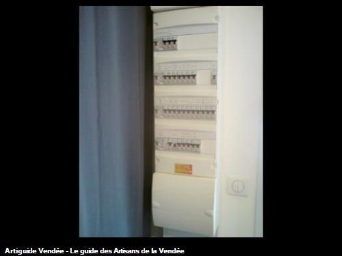 Exemple de réalisation d'un tableau électrique complet pour une habitation de 120 m²