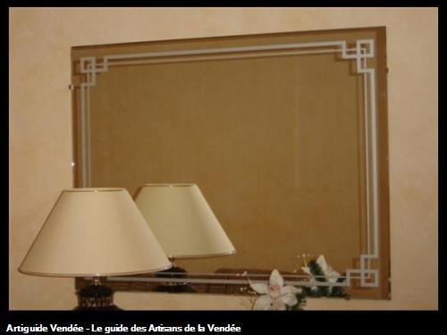 Fourniture et pose d'un miroir décoratif