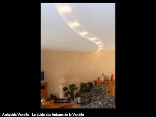 Créartion d'un faux plafond en arrondi avec intégration de luminaire.