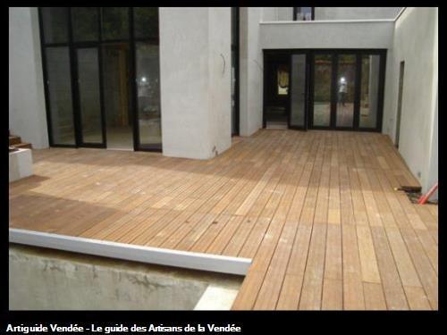 Terrasse bois autour de la piscine,Challans 85300