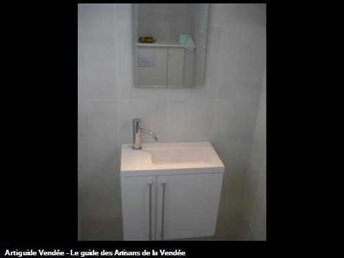 Lave-mains avec meuble pour toilette