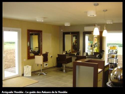 Création d'un salon de coiffure enduit effet tadelakt jaune pâle et gris - BEUGNEE L'ABBE