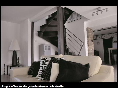 escalier metal sur le secteur des Les Sables d'Olonne 85100