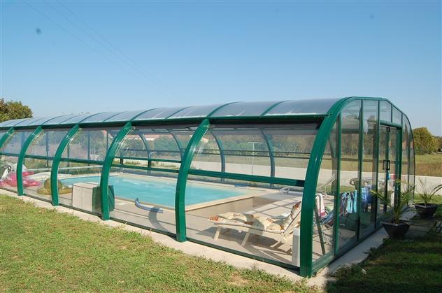 réalisation d'une piscine avec abris
