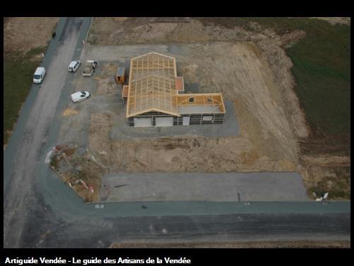 Charpente traditionnelle et toit plat Cugand 85610
