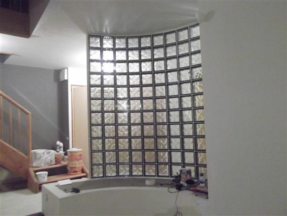 réalisation d'une salle de bain carrelé et pavé de verre