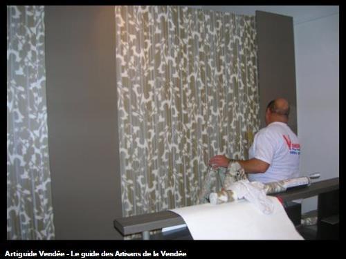 VRIGNON - pose de papier peint Elitis en tête de lit