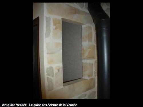Encadremenet de fenêtre en imitaton pierre avec pierres de parement grises