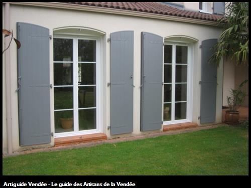 Porte-fenêtres PVC et volets battants alu