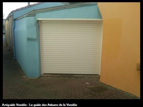 Porte de garage enroulable LES SABLES D'OLONNE